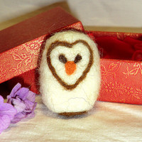 Needle felted brooch Brooch owl Brooch felted Brooches and pins Handmade brooch Felt products Felt brooches Felt animals