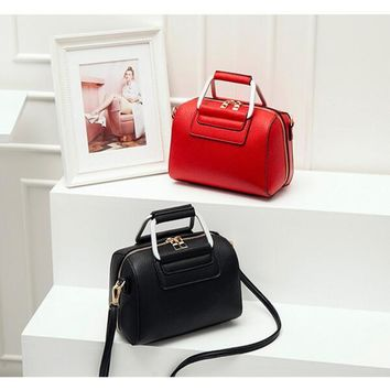 Single shoulder bag inclined shoulder bag lady litchi grain handbag Saddle bag euramerican style