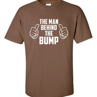 The Man Behind The Bump Funny T-Shirt Tee Shirt TShirt Mens Ladies Womens Youth Shirt Gifts for Dad Pregnant Pregnancy Father Tee ML-056