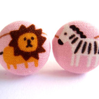 Button earrings Inspired by Madagascar by Grandeurina on Etsy