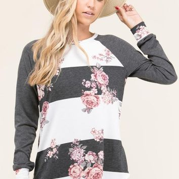 The Weekender 2 Raglan Top
