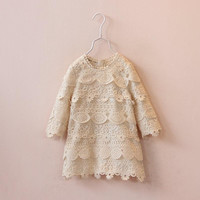 EMS/DHL/FEDEX/UPS Free Fast Shipping 2015 Lady Style Fashion Hollowed-out Flower Lace Girls Long Sleeve Princess Dress Childrens Clothing.