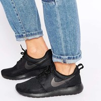 Nike Roshe Run Black & Anthracite Trainers