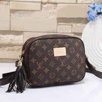 Louis Vuitton Women Fashion Leather Purse Waist Bag Single-Shoulder Bag Crossbody