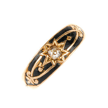 Early Victorian Gold, Diamond and Enamel ring - 15 Carat Gold With Star Design