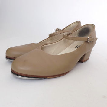 SIZE 10 Adult Award Tap Shoes Tan Beige Vintage Leather Dance Pumps Ankle Straps Mary Janes 1940s 20s Flapper Style Shoes Capezio Teletone