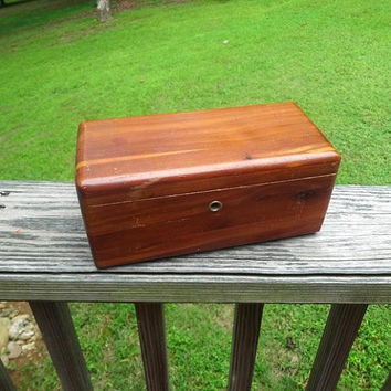 1950s Vintage Lane Miniature Cedar Chest, Jewelry Box, Treasure Chest From Logan Bros. Lincoln Park, Michigan, Vintage Cedar Advertising Box