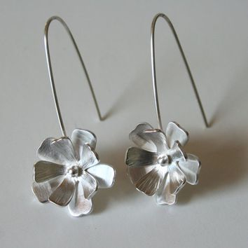 Fancy silver flower hanging earrings