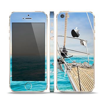 The Vibrant Ocean View From Ship Skin Set for the Apple iPhone 5s