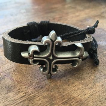 The Dustin Cross Hemp and Black Leather Bracelet
