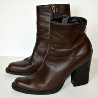 "9&Co Size 7 Short Boots Brown Leather 3.5"" Heels Womens Shoes"