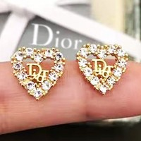 DIOR sells fashionable ladies' heart earrings with diamond letters