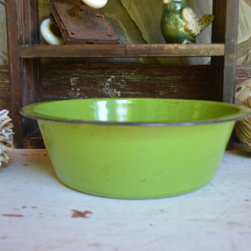 Green Enamelware Bowl – Vintage Green Enamel Bowl with Black Rim