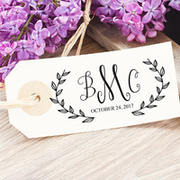 Custom Wedding Logo - Wedding Monogram Stamp - Personalized Wedding Stationery Stamp - Monogram Gift for Bride - Wreath Wedding Logo Design