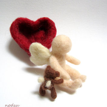 Forever in our hearts, child loss sculpture angel baby, needle felted heart angel teddy bear, grief gift, sympathy figurine, SIDS, stillborn