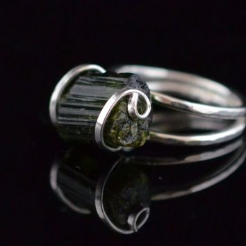 Green Tourmaline & sterling Silver Ring