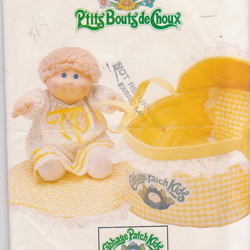 Cabbage Patch Kids pattern for carrier bed, pillow cover, and coverlet with unused logo transfer Butterick 6661 CUT and COMPLETE