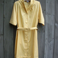 Vintage dress - pale yellow plus-size shirt dress with matching belt