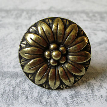 Cabinet Door Knobs / Flower Knob / Dresser Knobs / Drawer Knobs Pulls Handles Bronze / Vintage Furniture Cupboard Pull Handle Hardware 181