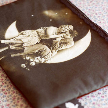Vintage lovers photography purse.Victorian MakeUp Bag.Vintage pencil case.Multi purpose bag.Gift for girlfriend.Valentines gift.Love gift.
