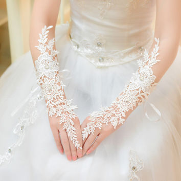 Bride lace gloves the Wedding gloves