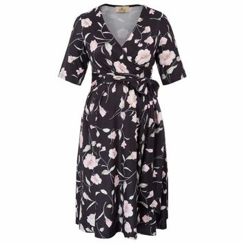 Elegant Floral Pattern 1/2 Sleeve V-Neck Wrap & Tie Front Casual Maternity Dress