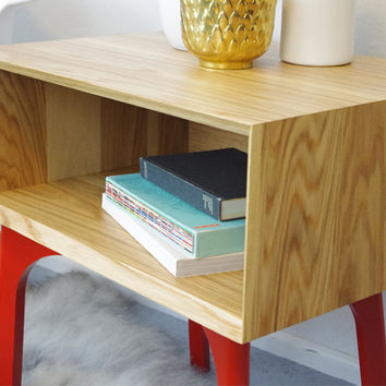 WFOUR Design Side Table - Oak/Paprika