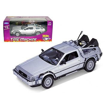 """Delorean From Movie \Back To The Future 1\"""" 1/24 Diecast Model Car by Welly"""""""