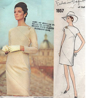 Vogue Couturier Design Federico Forquet Italy High Fashion Dress 60s Sewing Pattern Diagonal Seaming Loose Fit Bust 34 Uncut