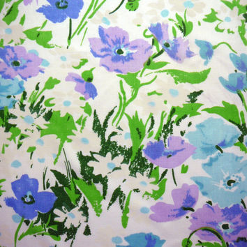 Vintage Sheet Fat Quarter Floral Daisies with Purple and Greens