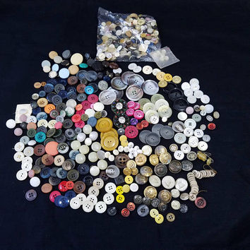 Mixed Loose Button Lot Vintage Liberty Bell Buttons Metal Plastic Celluloid Buttons 1.4 Lbs Sewing Crafts Upcycle Creative Projects