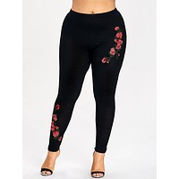 Plus Size Embroidery Floral Leggings