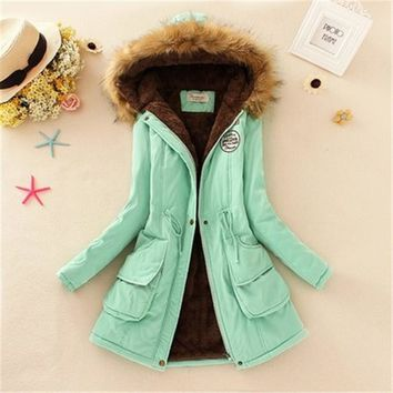 Womens Coats Plus Size Lady Hoodies Parkas Women Faux Fur Collar Long Down Parka Warmer Classical Jackets Winter Jacket