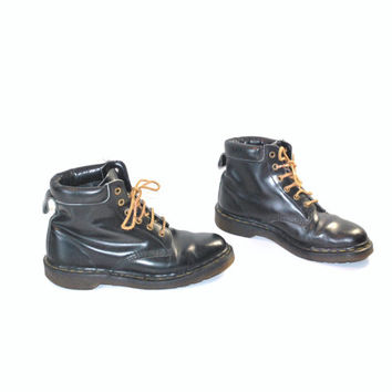 size 8 vintage DOC martens / early 90s GRUNGE black patent leather DM ankle combat boots