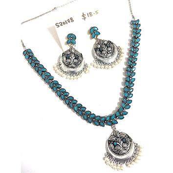 Oxidized silver leaf choker with pendant necklace and earring set
