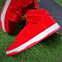 Nike SB Dunk Red Velvet Skateboard Shoes