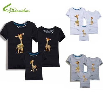 Family Look Animals Giraffe T Shirts Summer Family Matching Clothes Father Mother Kids Outfits Cotton Tees Free Shipping 5XL