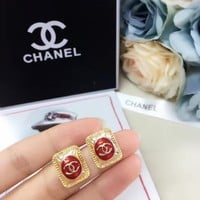 Red and Gold Chanel stud New arrival Electroplating of 18 K gold with retro earrings stud gold
