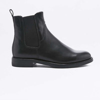 Vagabond Amina Black Leather Chelsea Ankle Boots - Urban Outfitters