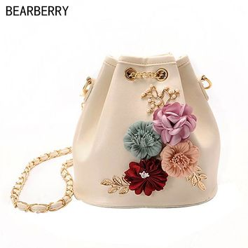 Bearberry Handmade Flowers Bucket Bags Mini Shoulder Bags With Chain Drawstring Small Cross Body Bags Pearl Bags Leaves Decals