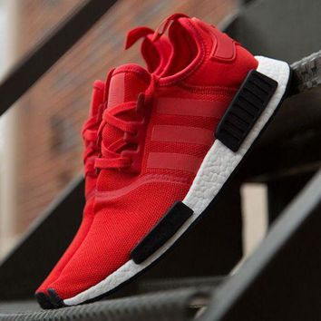PEAPGE2 Beauty Ticks Adidas Nmd R1 Runner Nomad Clear Red Black White Bred Pack Bb1970 Boost Sport Running Shoes Classic Casual Shoes Sneakers