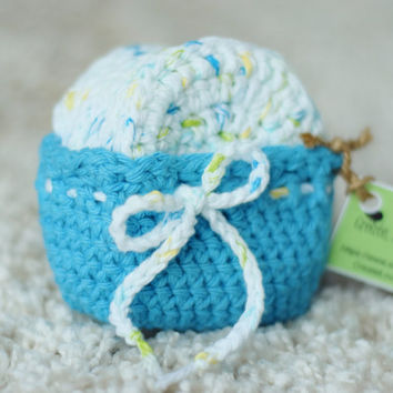 7 Face Scubbers/Scrubbies with Basket (100% Cotton) Blue, Green, & Yellow Specks with Bright Blue Basket - More Colors in Our Shop!
