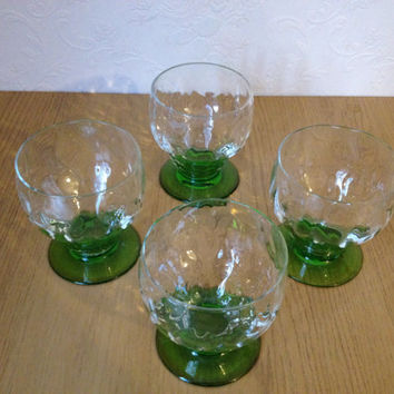 Vintage Art Deco 1940s green stem dimpled glass cocktail glass tumblers cups glasses x 4. VBB128