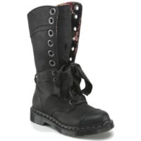 TRIUMPH 1914 W | Womens Boots | Womens | The Official Dr Martens Store - UK