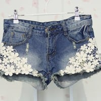 [grhmf2600016]Fashion Flower Lace Denim Shorts
