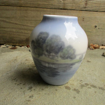 Bing & Grondahl  Vase Lake and Green Trees Porcelain Vintage