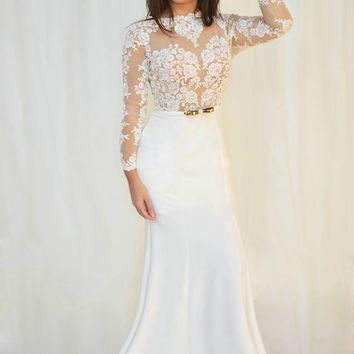Long Sleeve Beach Wedding Dresses O-neck Open Back Transparent Tulle with Appliques