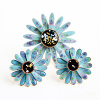 Vintage Flower Brooch and Earring Lot - 1960s Gold Tone Enamel Jewelry Set / Blue Daisies