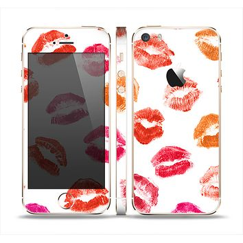 The White with Colored Pucker Lip Prints Skin Set for the Apple iPhone 5s