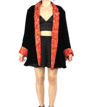 70s 80s Black Velvet Chinese Jacket Asian Embroidered Reversible Jacket Mandarin Collar Boho Red Satin Cropped Plus Size Kimono (L/XL)